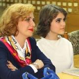 Лиза Безушко пришла вместе с мамой...