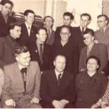 Редакційний колектив Криворізької газети «Червоний гірник» (перший ряд, другий зліва – П. Глазовий)