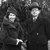 Двоюродная сестра поэта - Евгения Каннегисер и её муж - выдающийся британский физик сэр Рудольф Пайерлс