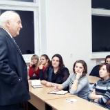Профессор И.М. Стариков на лекции в университете 1