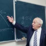 Профессор И.М. Стариков на лекции в университете 3