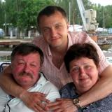 Дмитро i Ольга Кременi з сином Тарасом