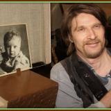 Внук М. Лисянского- Маским. На фото с дедом и в жизни с неизменным фотоаппаратом