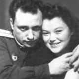 Марк Лисянский и Антонина Копорулина. Вальденбург. 1946 год.Фото из книги Б.Арова Чистые струны Марка Лисянского
