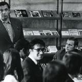 Роберт Рождественский на встрече в издательстве читает новые стихи