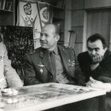 В редакции Молодой гвардии с Сергеем Михалковым и космонавтом Алексеем Леоновым.