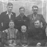 Семья. Братья Валерий, Николай, Станислав, Александр. Мама Анфиса Сергеевна и отец Николай Васильевич.
