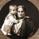 Эвридика Митрофановна Платонова-Цицильяно с внуком Леонидом Вышеславским 1915 г. Николаев
