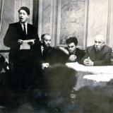 Поэт Я. Тублин читает свои стихи на вечере в Союзе писателей Украины. 1962 г.