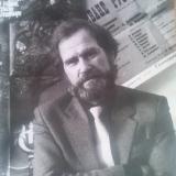 А. Вербец на фоне  своих афиш. г. Николаев 80-е годы