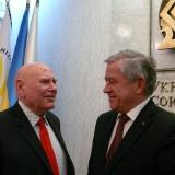 А.А. Сизоненко с Президентом Николаевского землячества в Киеве А. К. Кинахом. 2012 год