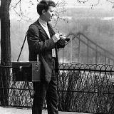 Корреспондент газеты ЧСЗ Трибуна рабочего Александр Кремко на съемках в Киеве. 1962 год. Фото из архива В. Бабича