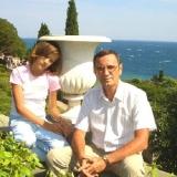 Валерий Бабич и внучка Даша Бабич. Крым, Мисхор, август 2005 года