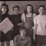 Владимир Гладышев в кругу школьных друзей