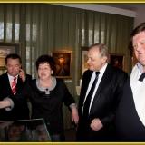 Члены Николаевского землячества Москвы на  экспозиции М.С. Лисянского в музее г. Подольска