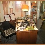 Экспозиция рабочего стола М.С. Лисянского. Из фондов музея поэта в г. Подольске